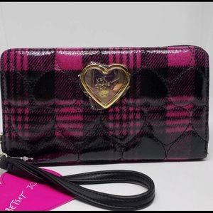 Betsey Johnson plaid heart quilted Wallet